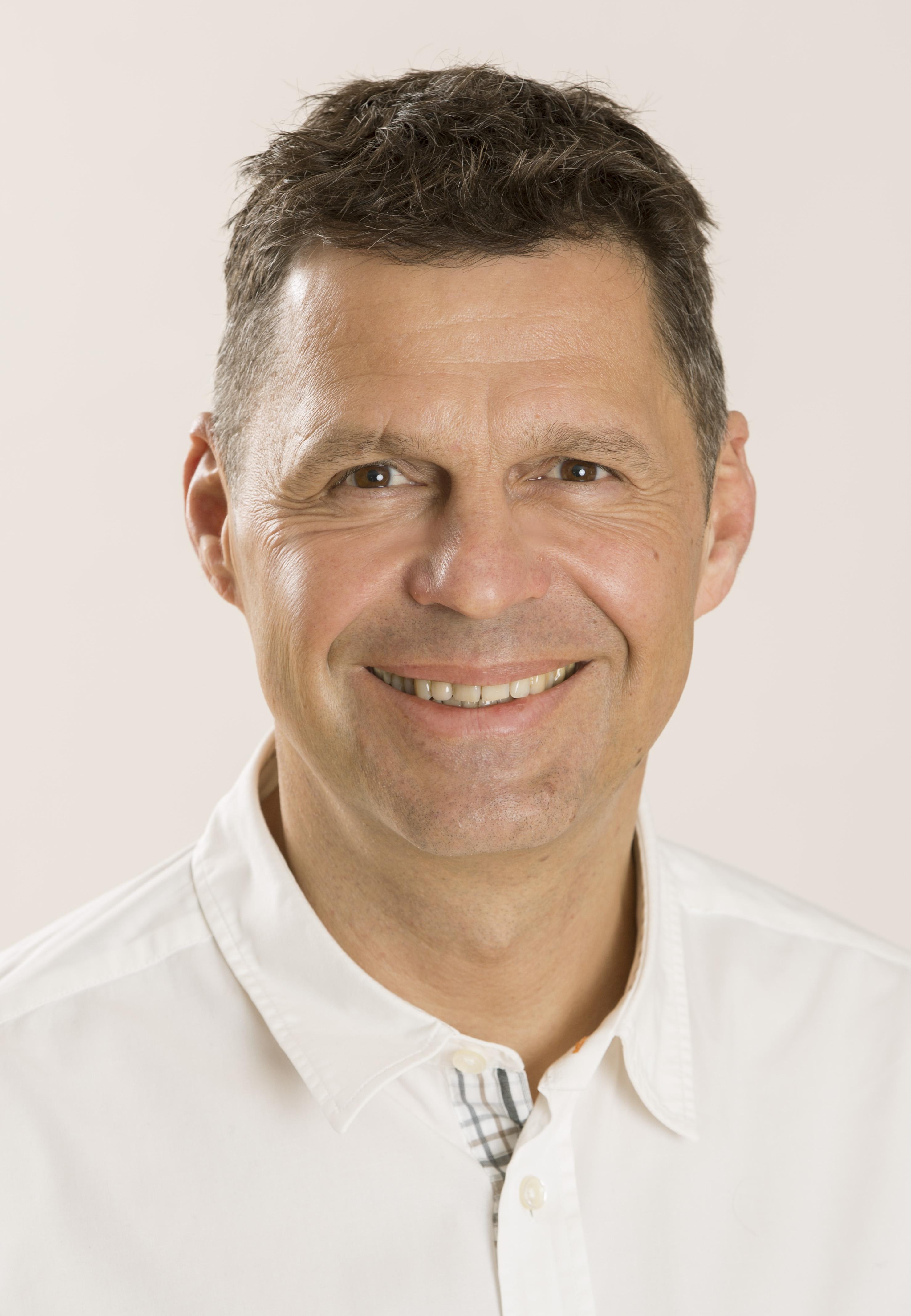 Dr. Löscher